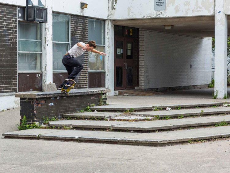 Jeff Srnec - Fakie Nosegrind - Photo: Nathan Stripp